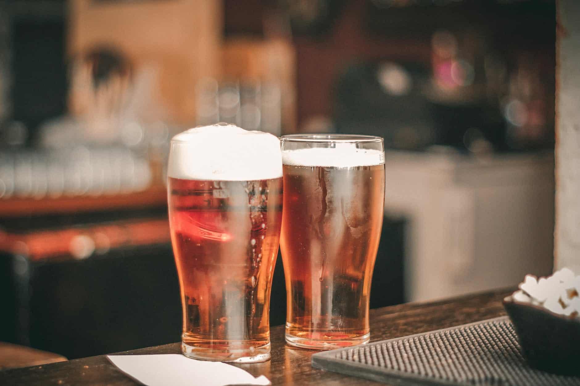 pintes de bière alcool bar