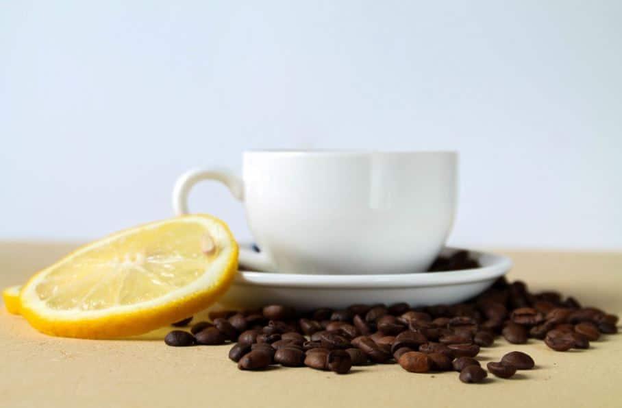 tasse de café au citron en Italie