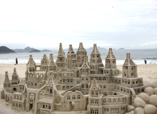 how to build a big sandcastle