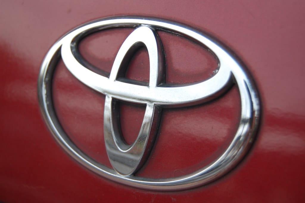 logo voiture marque Toyota