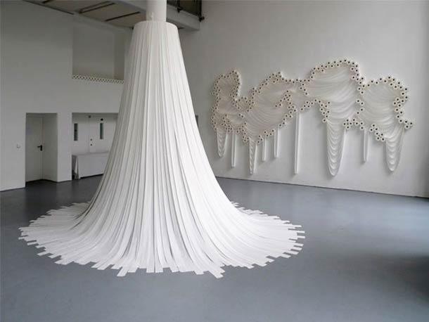 Moderne 10 sculptures improbables réalisées avec du papier toilette UL-11