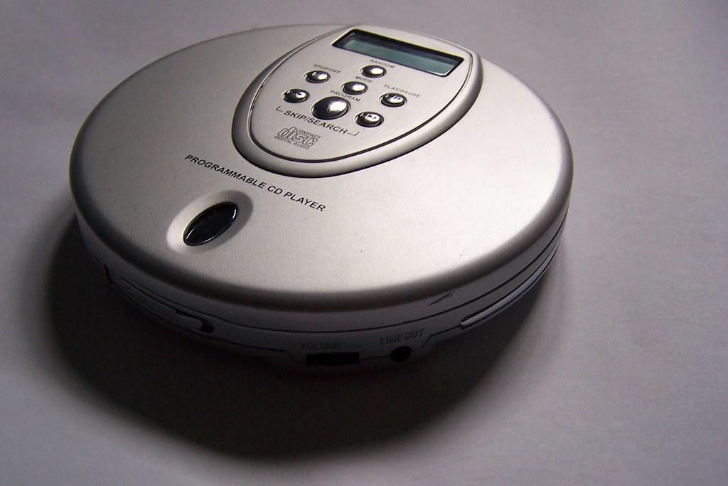 walkman baladeur CD cassette musique années 90