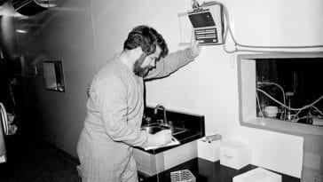 chercheur expériences scientifiques science
