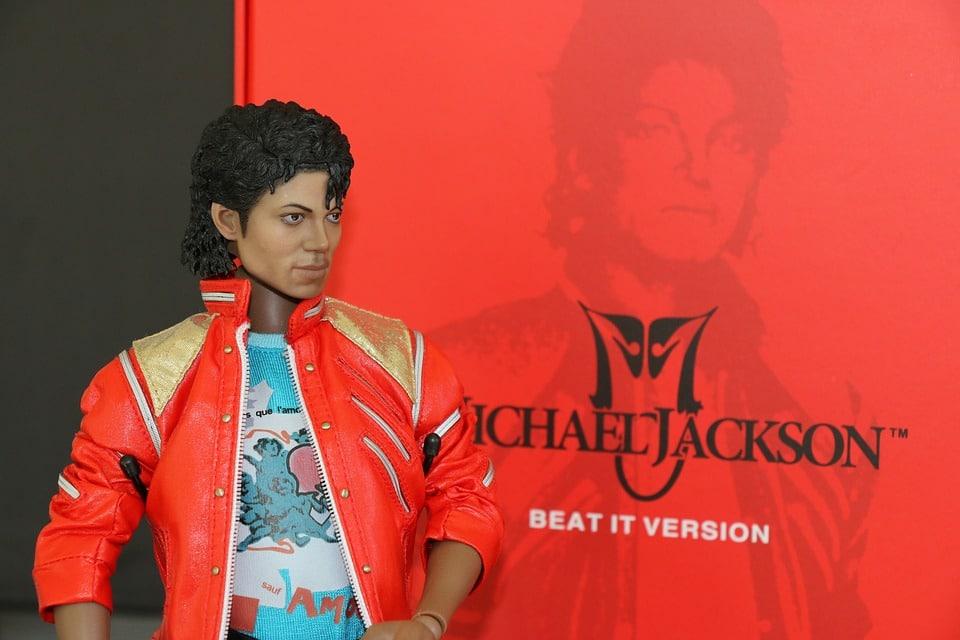 théorie du complot prénoms interdits par la loi Michael Jackson