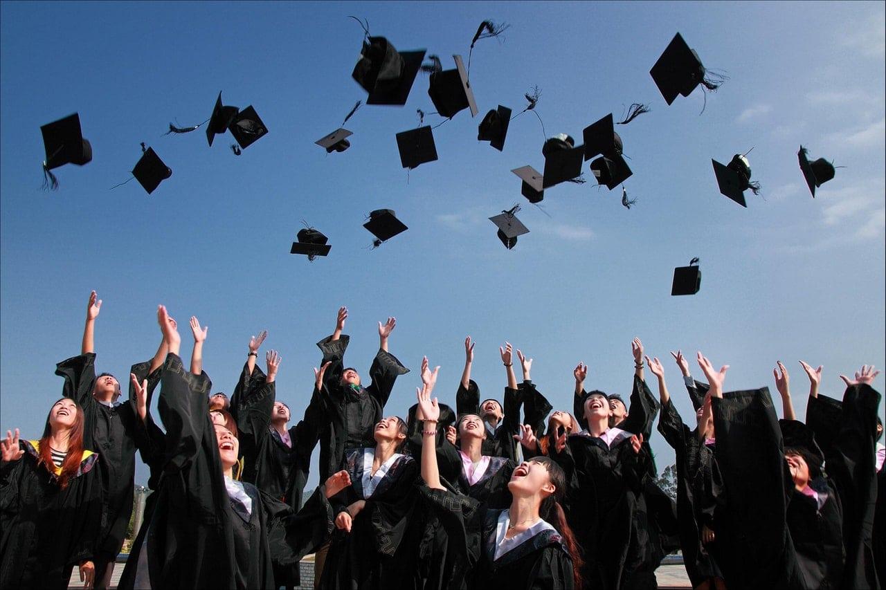 etudiants diplome Mcdonald's