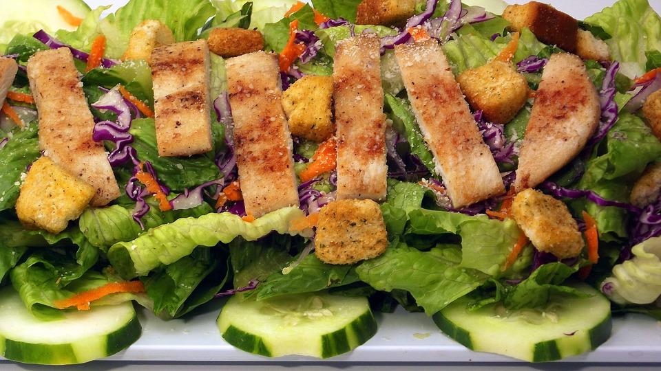 salade Cesar mcdonald's faits insolites inconnus