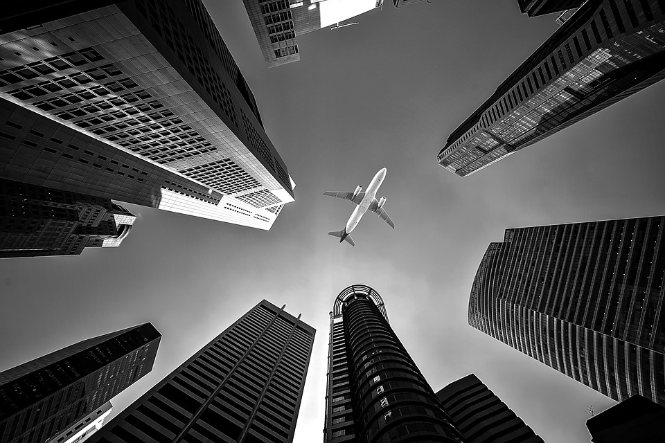 Avion building chute