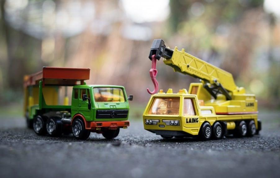 figurines camions miniatures jouet