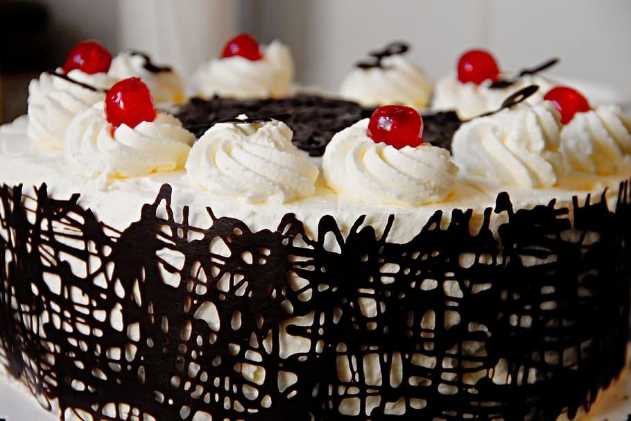 Forêt Noire gâteau spécialités culinaires européennes